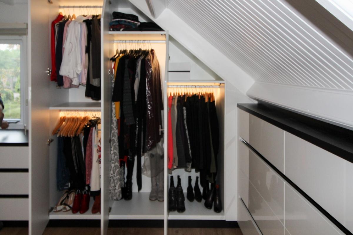 Een inloopkast of walk in closet op maat ontwerpen en maken het