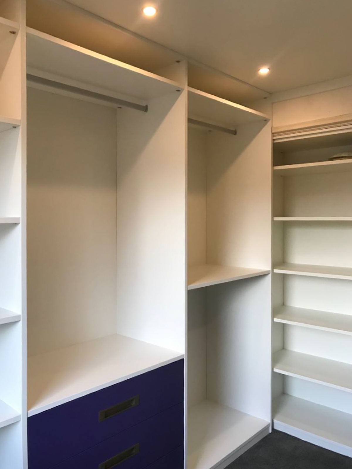 Een Inloopkast Of Walk In Closet Op Maat Ontwerpen En Maken